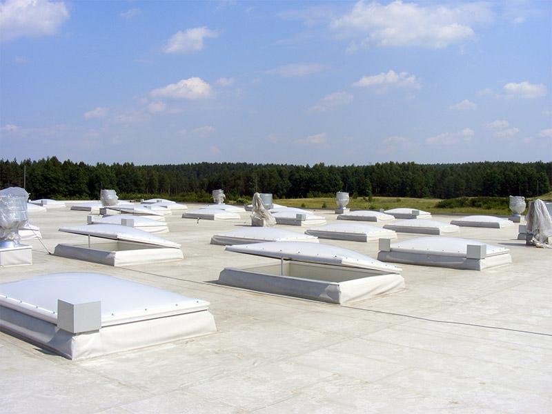 Świetlik dachowy z funkcją przewietrzania
